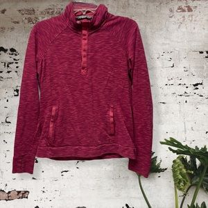 Avalanche red space dye pullover sweatshirt M